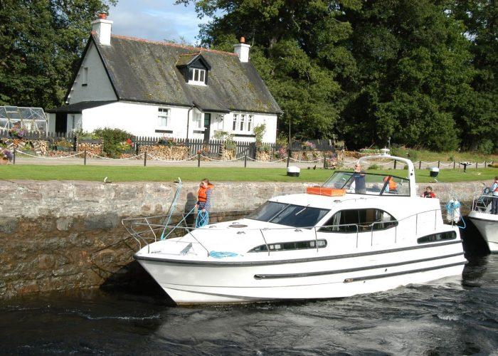 Boat Great Glen way